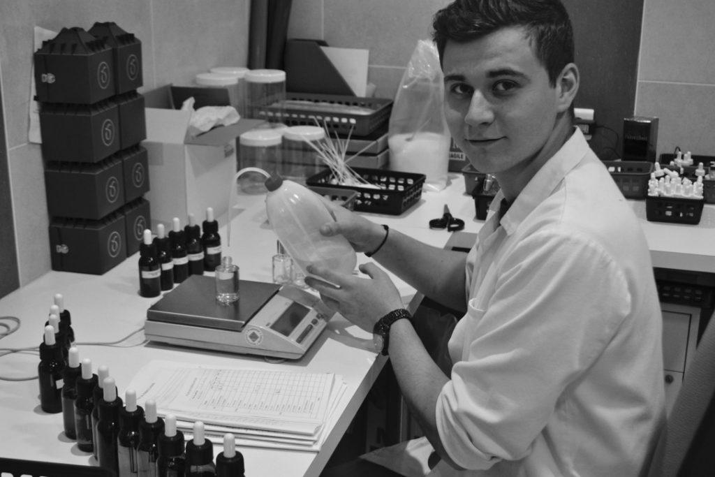 Aram Minassant, assistant parfumeur