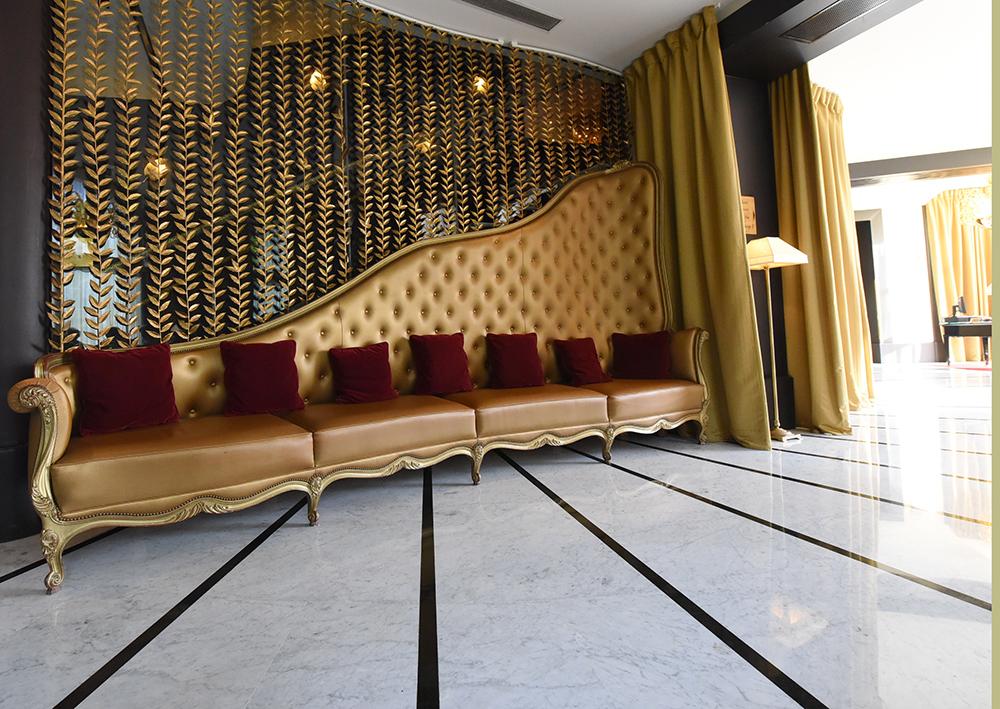 J-P Besse - siège Bouquet's Paris